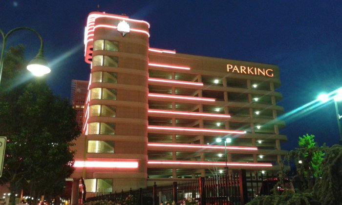 It costs how much to park there? Parking rates ranked in the biggest Midwest cities