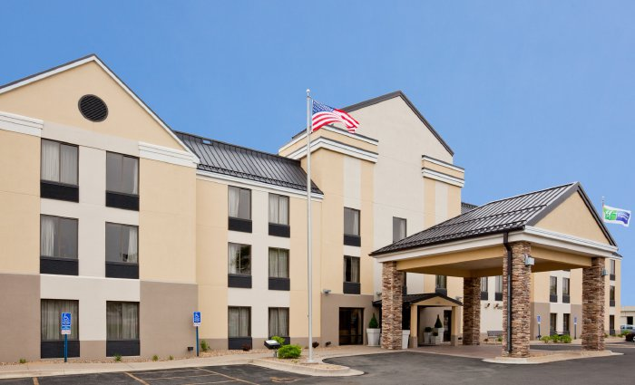 CBRE sells 83-room hotel in Cedar Rapids